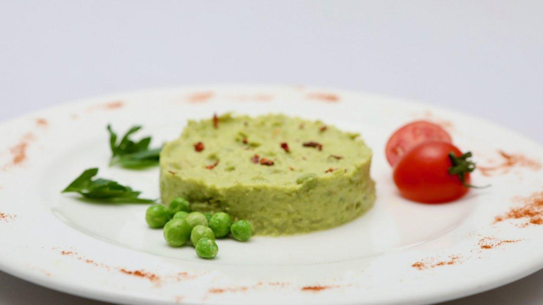 На выбор: пюре из зеленого горошка / бурый рис / брокколи / сливочное картофельное пюре