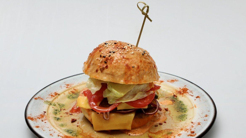 Фирменный бургер «Барелли»
